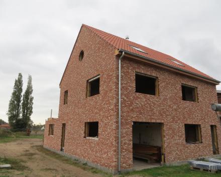 Grondige renovatie met uitbreiding van woning in Roksem